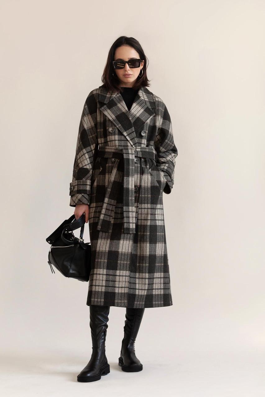 Жіноче демісезонне двобортне пальто міді в клітку М 342 46
