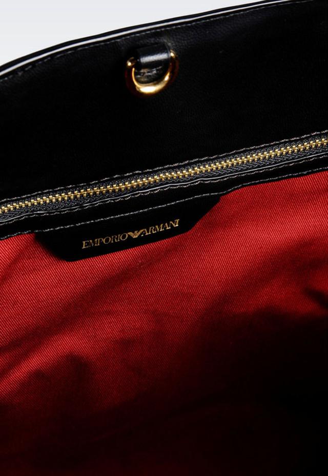 Женская сумка-шоппер Emporio Armani внутреннее устройство