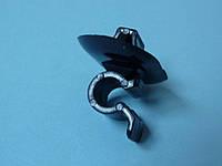 Зажим, крепление (держатель) лапки капота на Renault Trafic c 2001... C10099 (Польша)