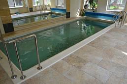 Мозаїчний басейн з оздобленням бортів копінговий каменем