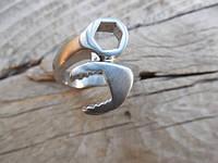 """Кольцо """"Разводной ключ"""" из нержавеющей стали от WickerRing"""