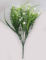 С белым мелкоцветом 30см искусственный зеленый куст для букетов, фото 1