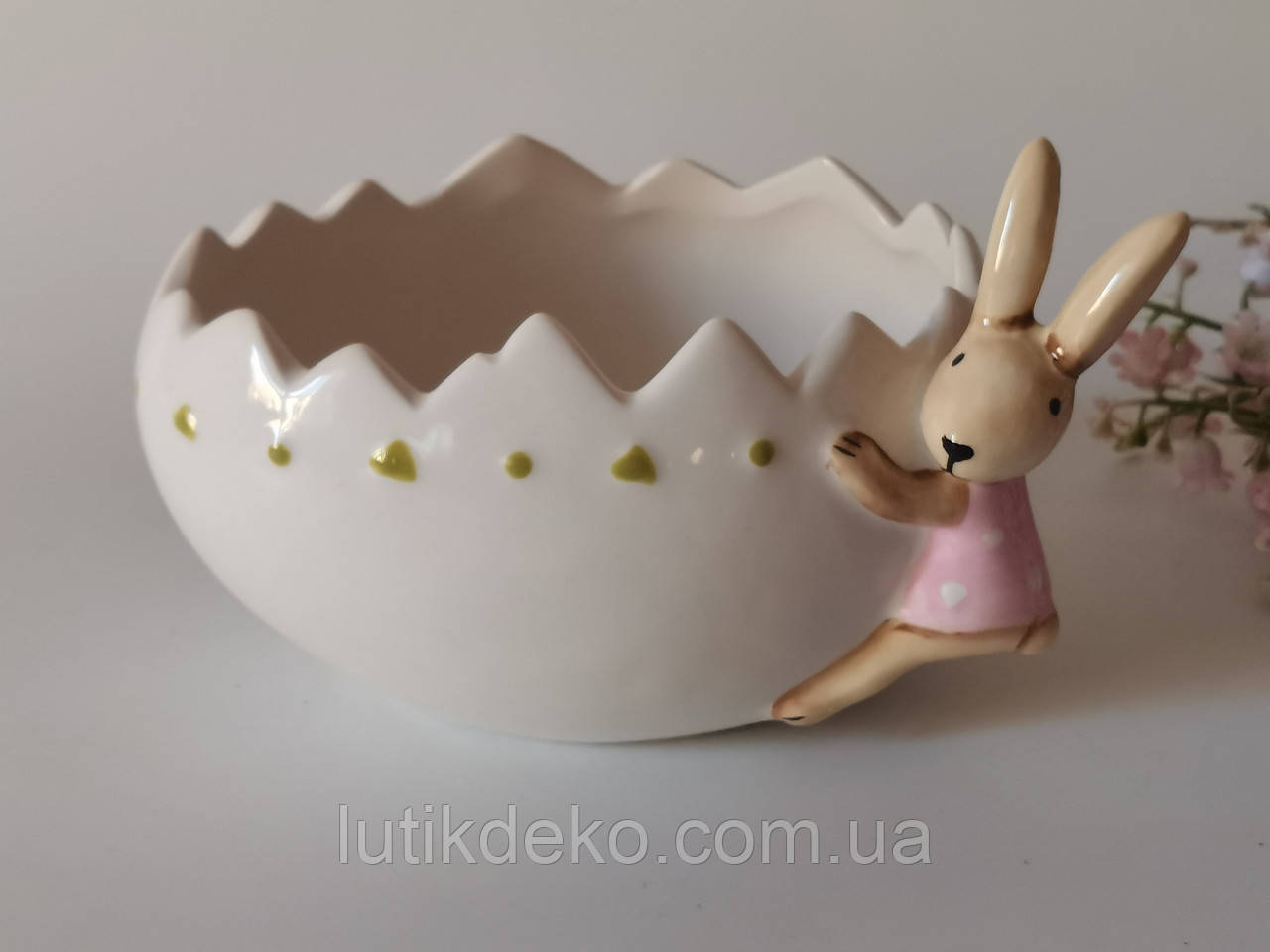 Пасхальный декор. Кашпо керамическое овальное с зайкой.