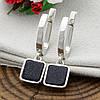 Серебряные серьги подвески размер 30х7 мм вставка оникс вес 4.7 г, фото 2