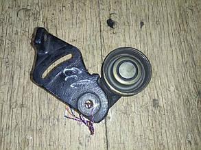 Кронштейн натяжного ролика компрессора кондиционера MB878381 995790 ECLIPSE Mitsubishi