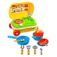 Кухня с набором посуды (чемодан)