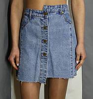 Стильная асимметричная юбка из голубого денима