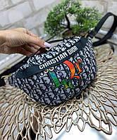 Яркая сумка-бананка молодежная стильная сумочка черная текстиль