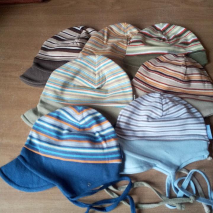 Трикотажная шапочка для младенцев