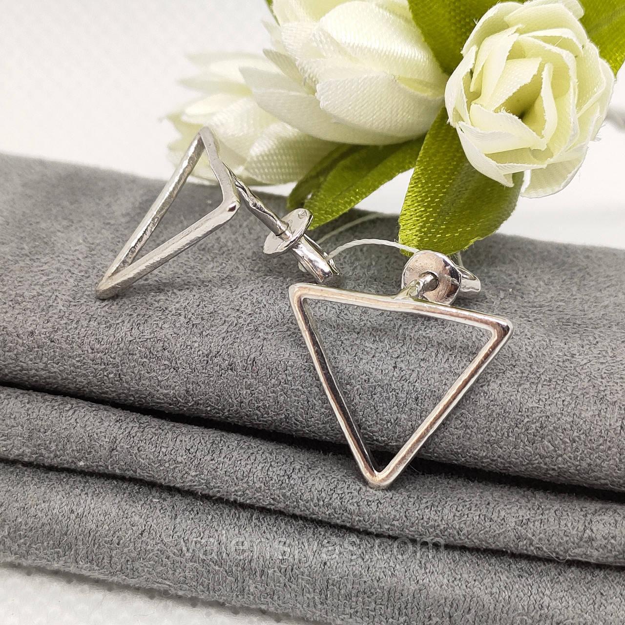 Серебряные серьги-гвоздики Треугольники