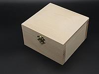 Шкатулка квадратная из дерева Бук Куфр 150*145*90 мм