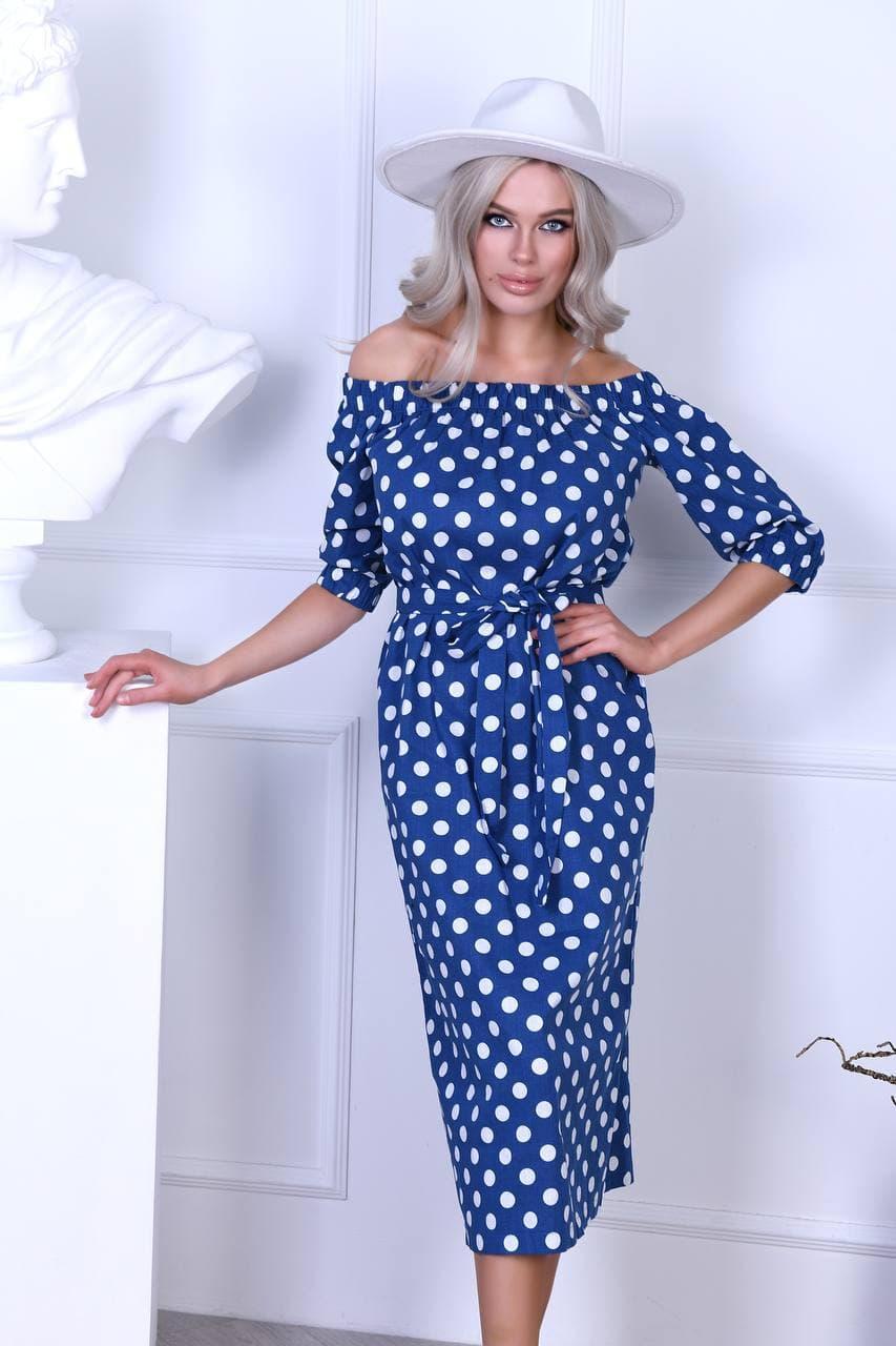 Платье в горошек с открытыми плечами AM1639