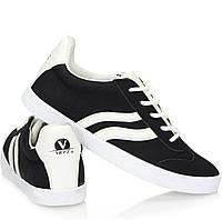 Спортивная женская обувь, кроссовки модны и стильные