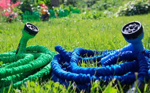 Садовый шланг для полива. 60 метров. + распылитель. Растягивающийся шланг
