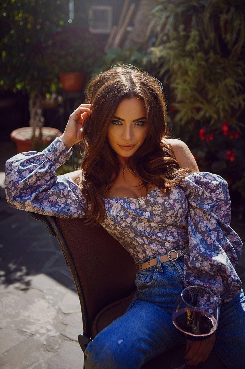 Женская рубашка с рукавами-волнами
