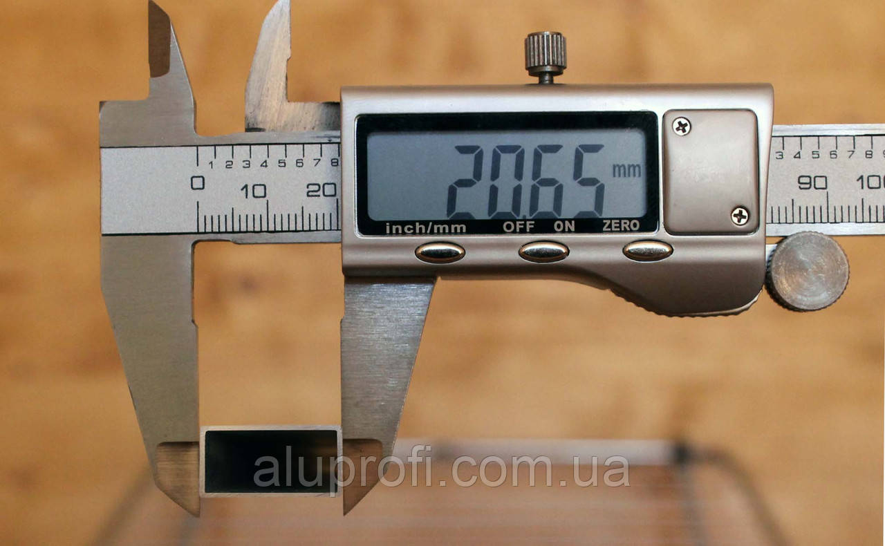 Труба алюминиевая 20х10х1,5мм АД31АН15