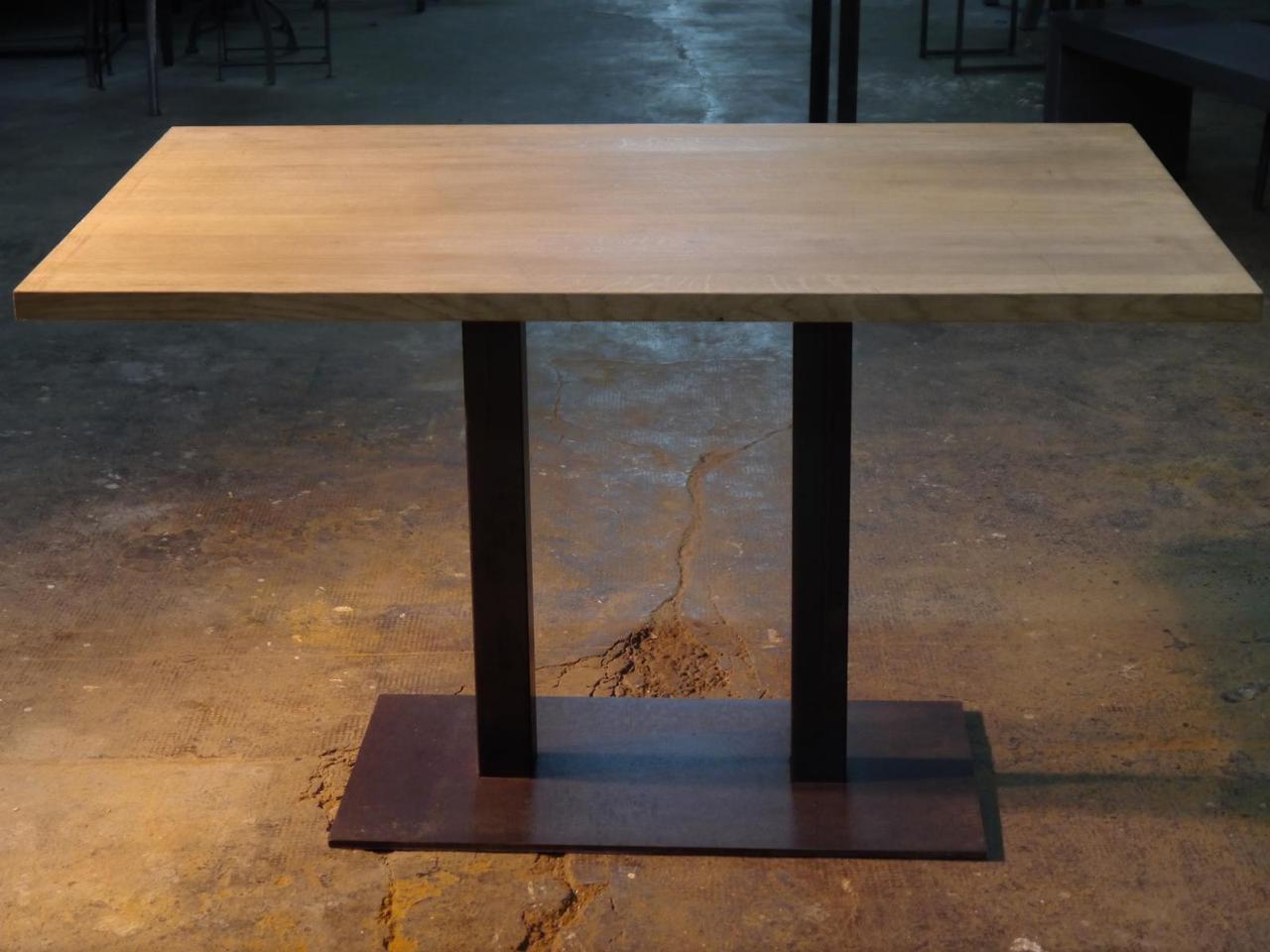 Прямоугольный стол для кафе из массива дерева 120х70