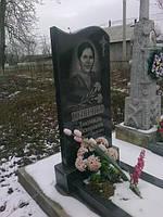 Одинарный памятник с цветником из гранита вертикальный образец №25