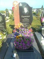 Одинарный памятник с цветником из гранита вертикальный образец №26