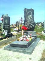 Одинарный памятник с надгробием из гранита вертикальный образец №29