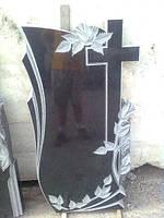 Одинарный памятник надгробие с крестом из гранита образец №30