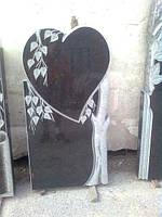 Памятник надгробие в виде сердца из гранита образец №31