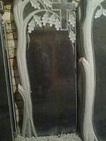 Одинарный памятник надгробие с крестом из гранита образец №32