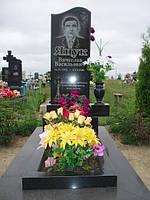 Одинарный памятник с цветником, вазой из гранита вертикальный образец №12
