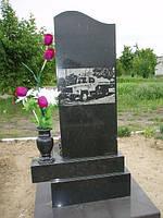 Памятник с цветником вазой из гранита с нанесением художественного оформления на тыльной стороне №18