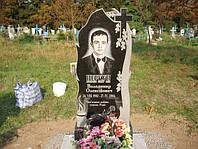 Одинарный памятник с крестом и цветником из гранита вертикальный образец №19