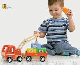 Дерев'яні іграшкові машинки