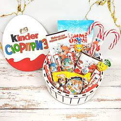 Подарочный набор в деревянной шкатулке киндер сюрприз.Подарок на День рождение ,Пасху девочке, мальчику, детям
