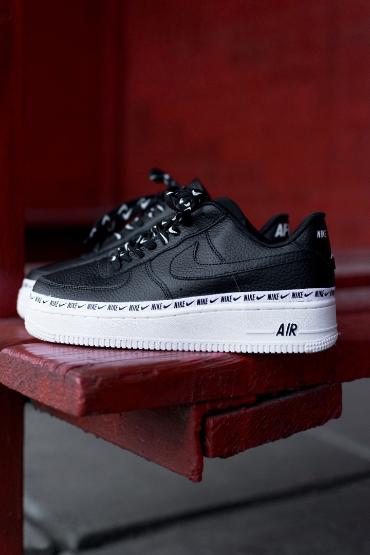 "Женские кроссовки Nike Air Force 1 '07 SE PRM ""Black&White"""
