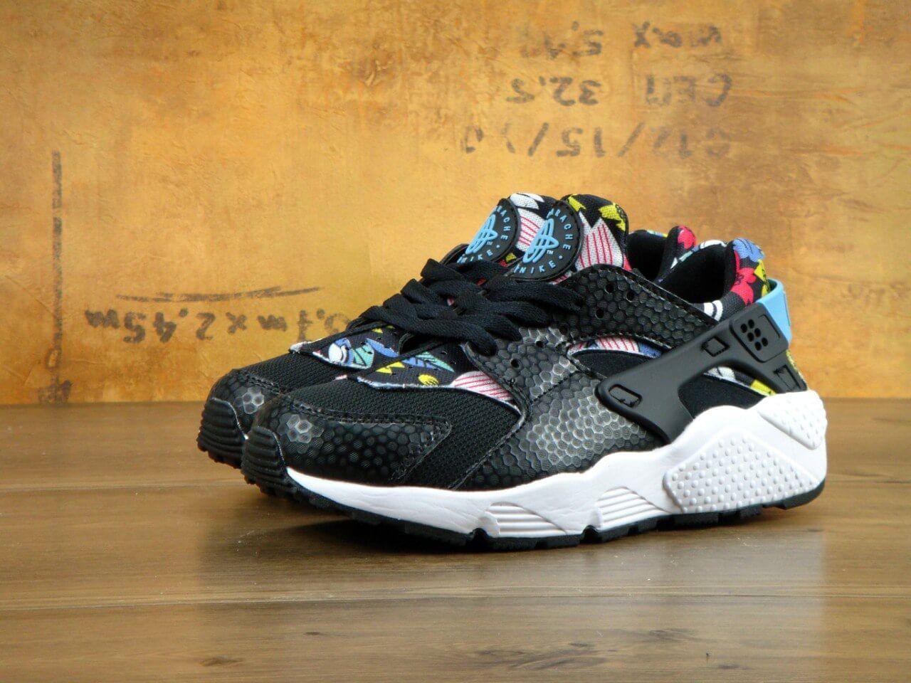 Женские кроссовки Nike Huarache Black Flower Black White (Кроссовки Найк Хуараче черно-белые)