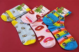 Жіночі шкарпетки високі і середні