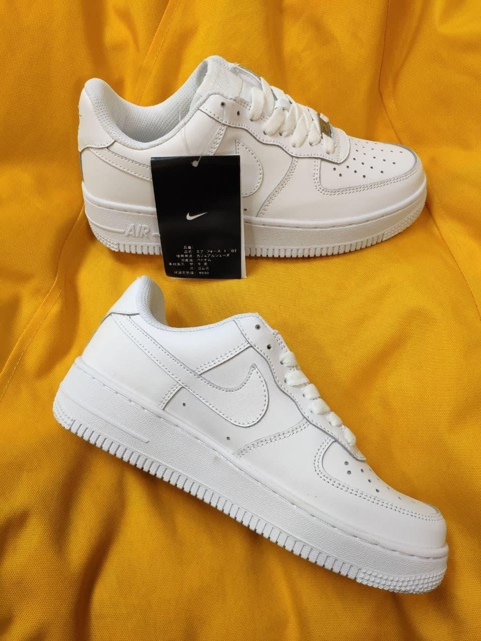 Женские кроссовки Nike Air Force Low White (белые) D94 модные кожаные кроссы