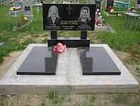 Двойной памятник горизонтальный из гранита с надгробной плитой образец №5
