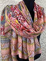 Женский шарф в этническом стиле с цветочным узором