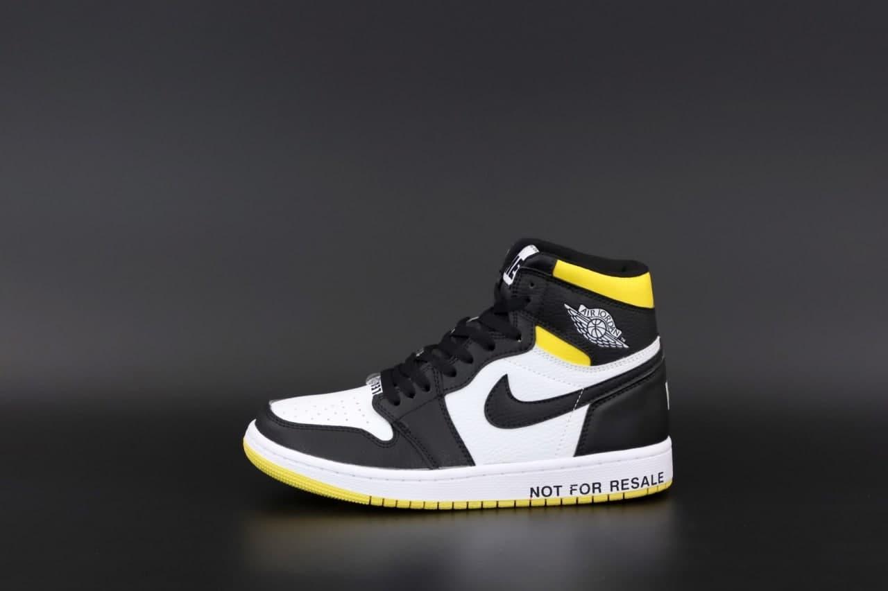 Женские кроссовки Nike Air Jordan 1 Retro (белые с желтым и черным) К12525 модные спортивные кроссы