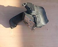 Корпус воздушного фильтра 2,5 tdi Audi 100 A6 C4 91-97г