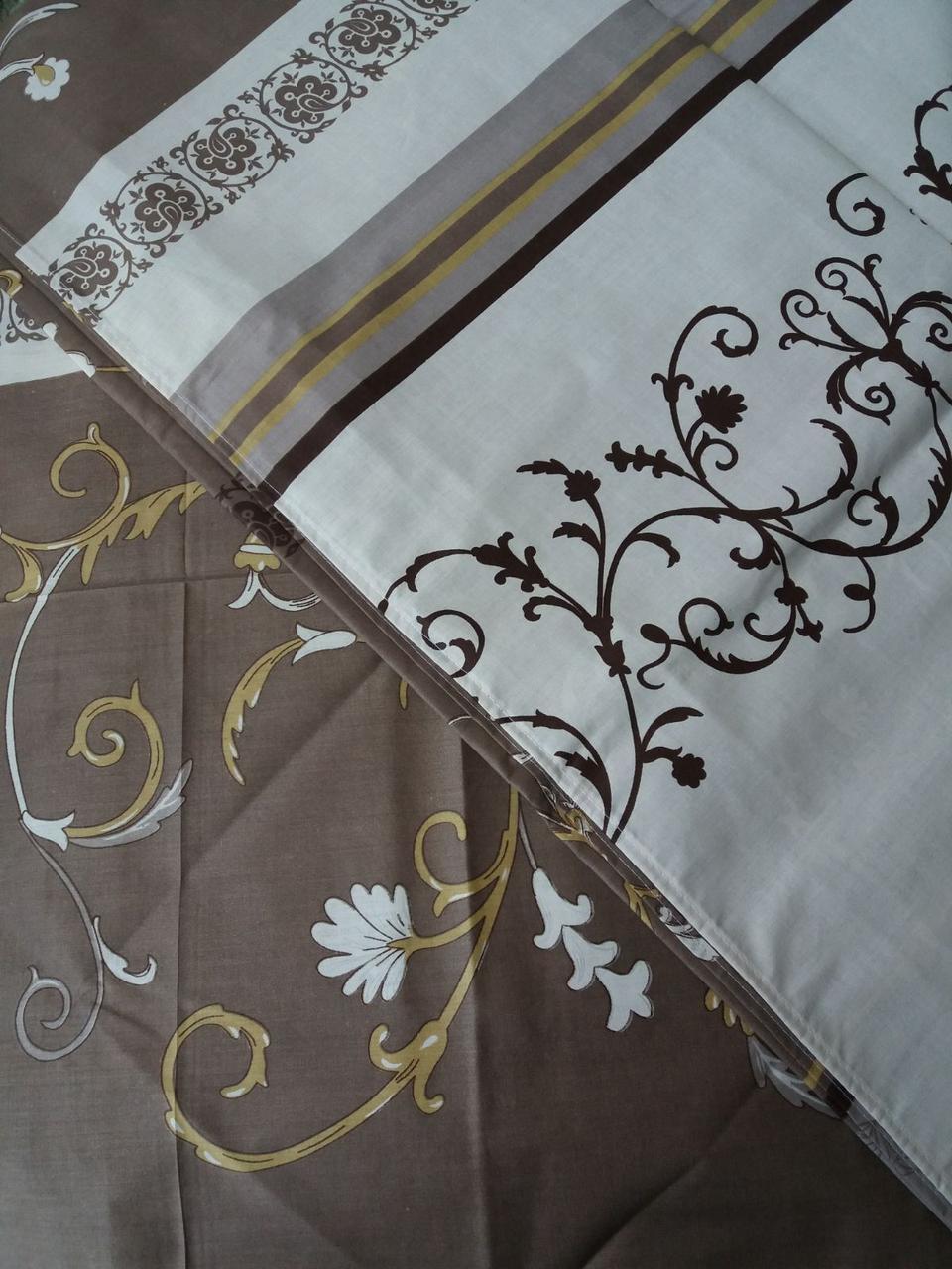 Постельное белье бязь голд люкс двухспальный бело-коричневый с цветочным узором.