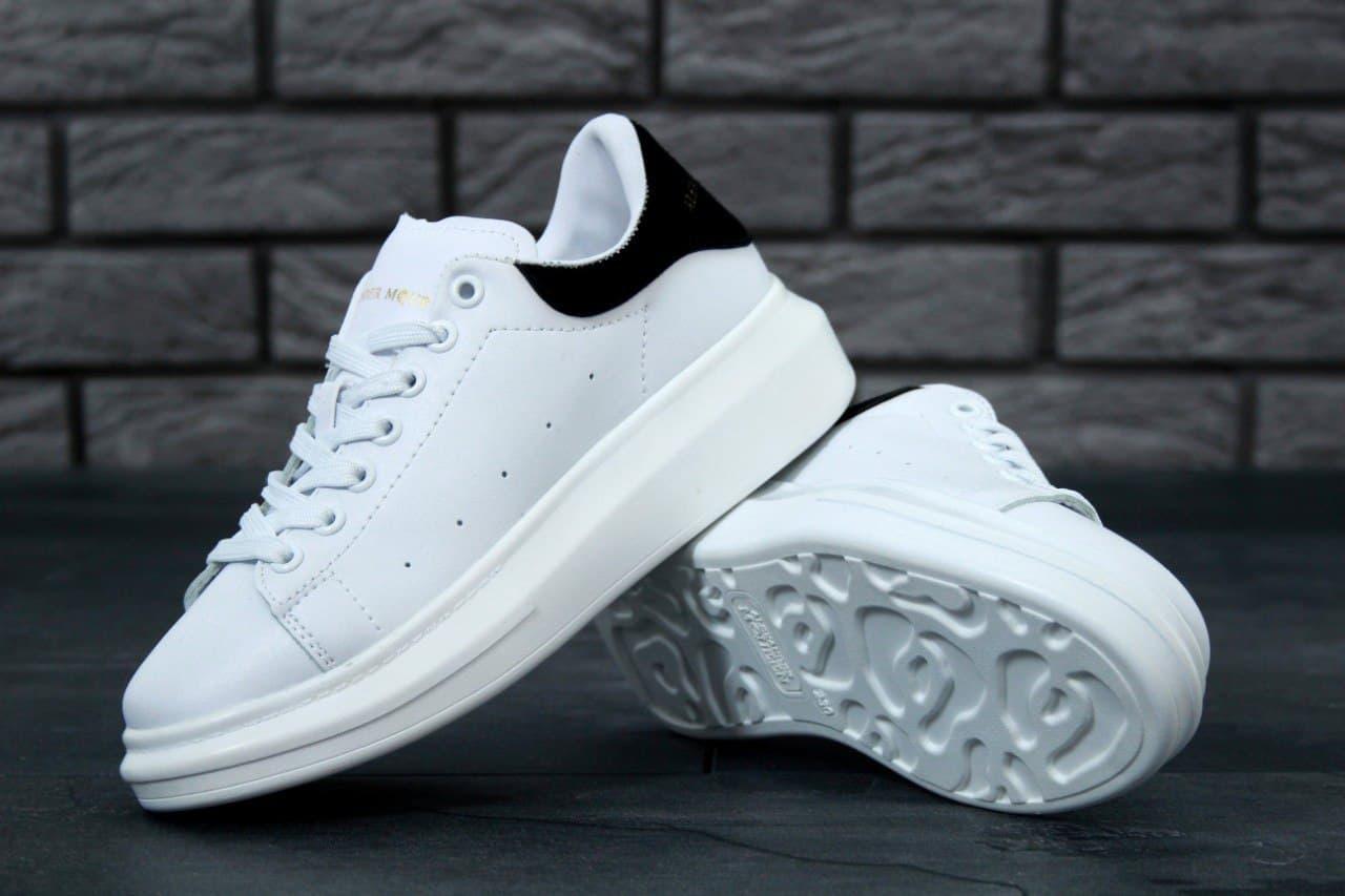 Мужские кроссовки Alexander McQueen Oversized Sneakers (белые) K11480 качественная удобная обувь