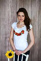Жіноча вишита футболка. Модель:Рюшка з маками