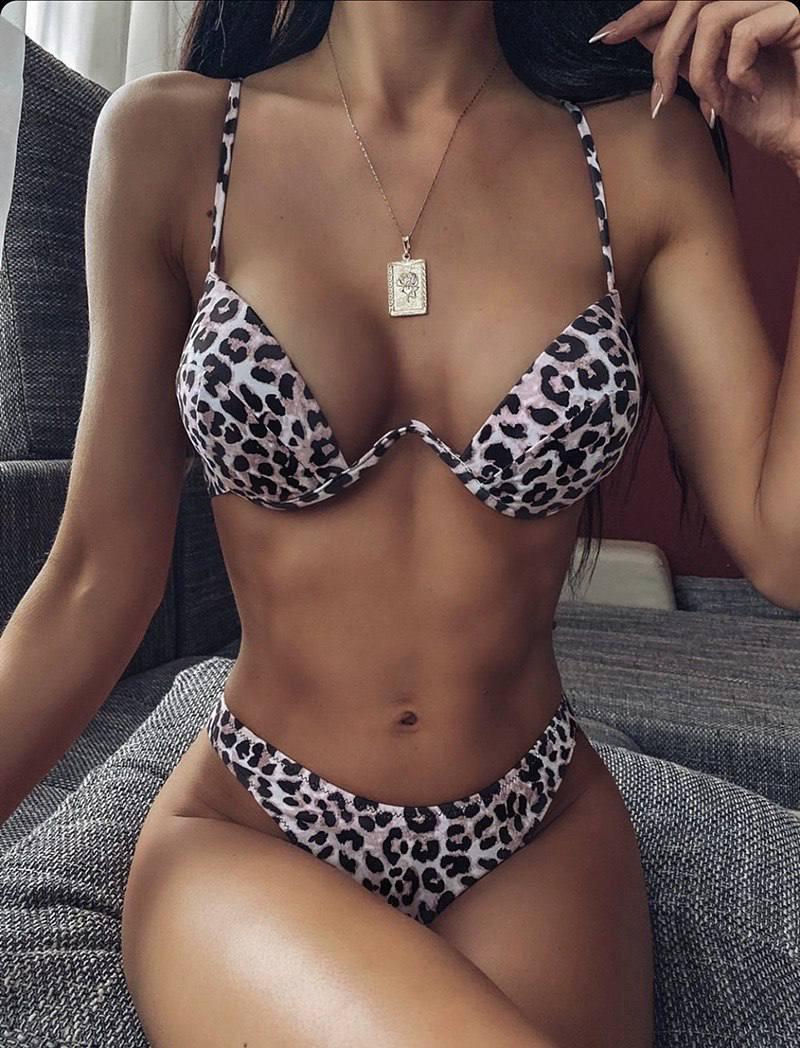 Купальник раздельный леопардовый  с твердой чашкой
