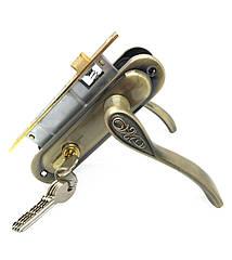 Врезной замок с ручками для межкомнатных дверей UNILOCK 62001 ЕТ AB