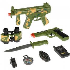Іграшкові автомати, пістолети, мечі, луки