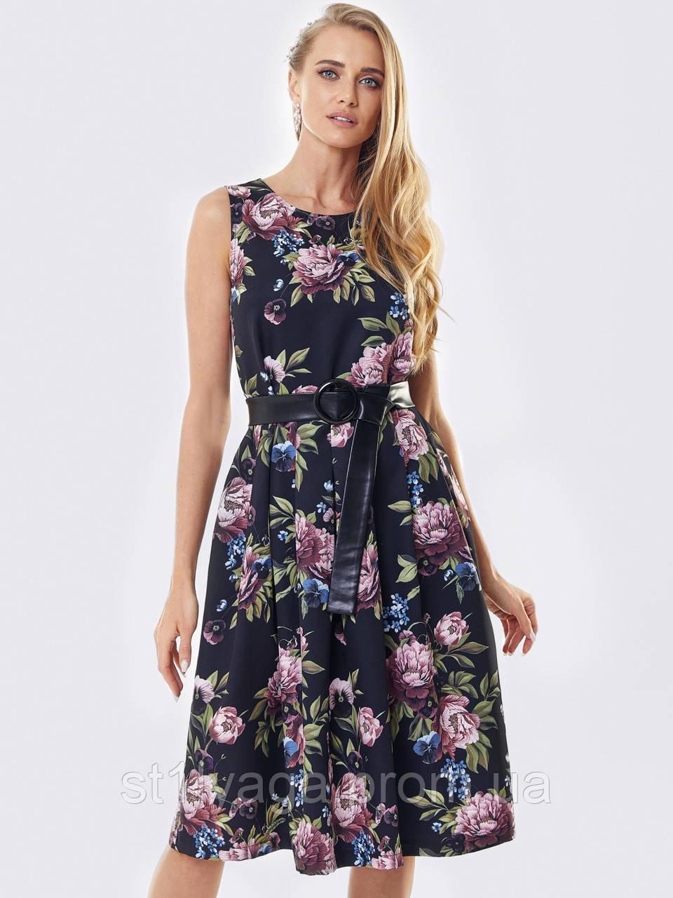 Принтованное платье без рукавов в цветочном принте черное