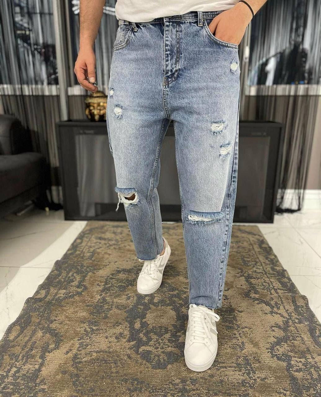 Мужские джинсы прямые МОМ синего цвета рваные