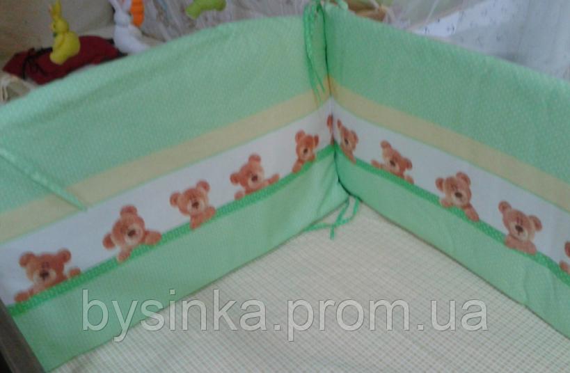 Защита высокая, раздельная с чехлами на молнии и постель в детскую кровать