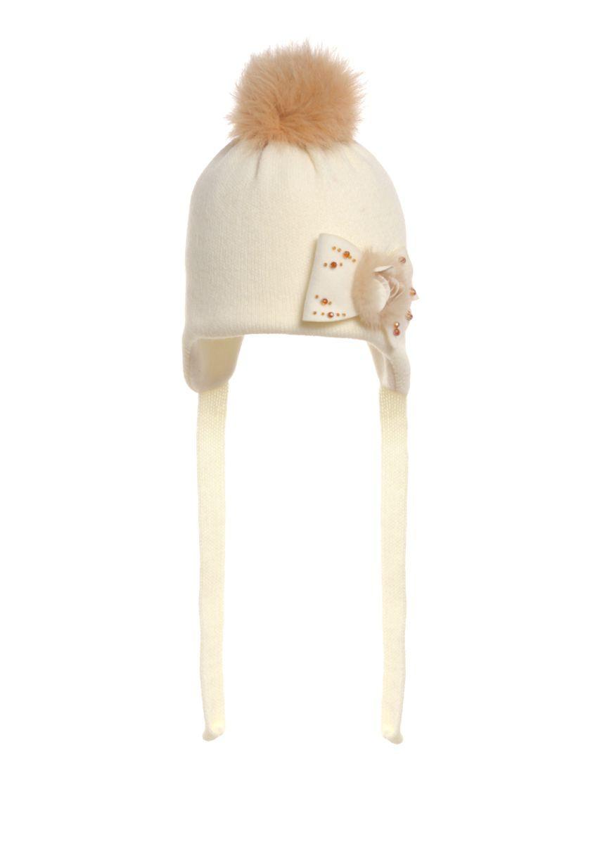 Детская теплая вязаная шапочка ,украшена мехом.